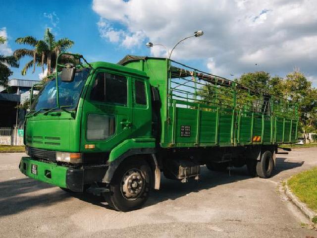 Yoong Mei 8 Ton Cargo Lorry With Pagar